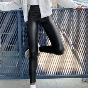 Aritzia Wilfred Free Daria Faux Leather Leggings